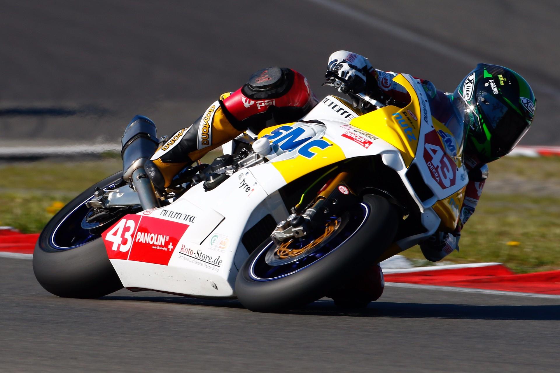 Panolin; Yamaha; Pirelli; www.roto-store.de; www.r-tec.de; Motorradtke; SMC