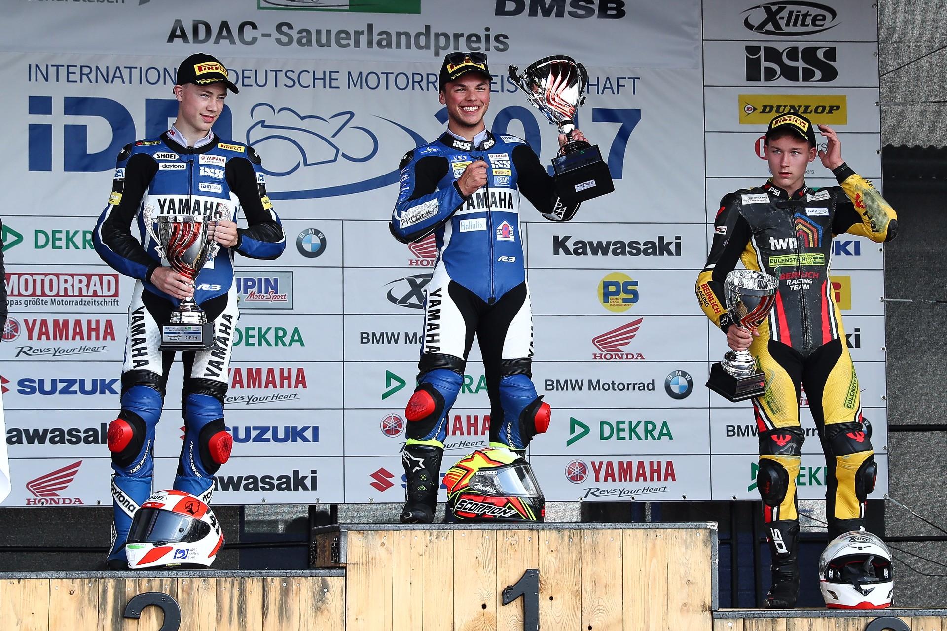 Doppelsieg in Oschersleben – Team Yamaha Freudenberg dominiert IDM Supersport 300!